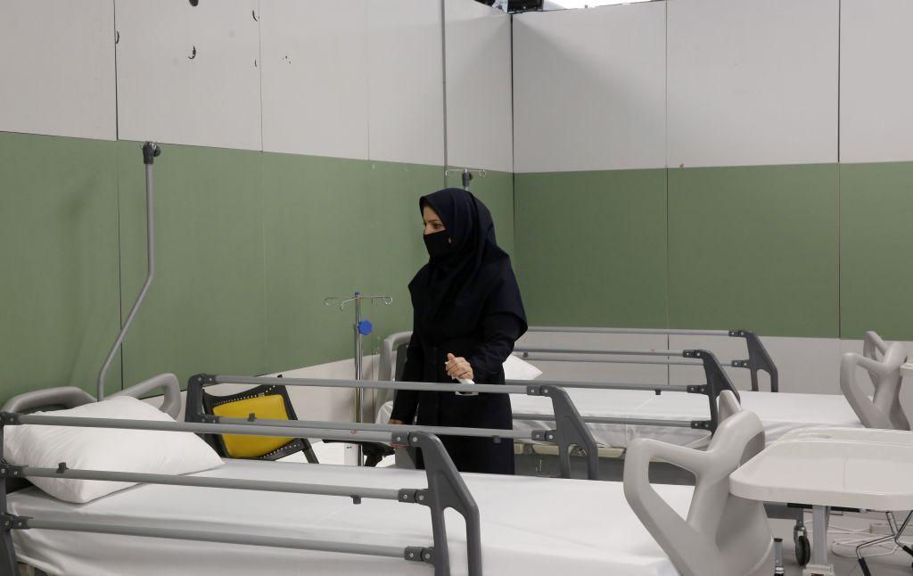 В Иране от коронавируса погибло более 2500 человек