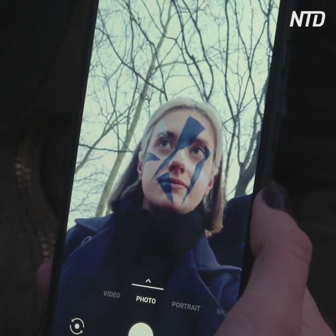 Как спрятаться от «умных» камер? Нарисовать на лице треугольники!