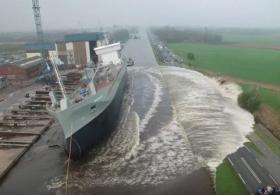 Чего не ожидали при спуске огромного корабля на воду
