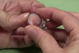 Кольцо, купленное на блошином рынке, оказалось сокровищем
