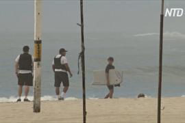 Сёрфинг на карантине: в Рио-де-Жанейро пляжи продолжают манить людей