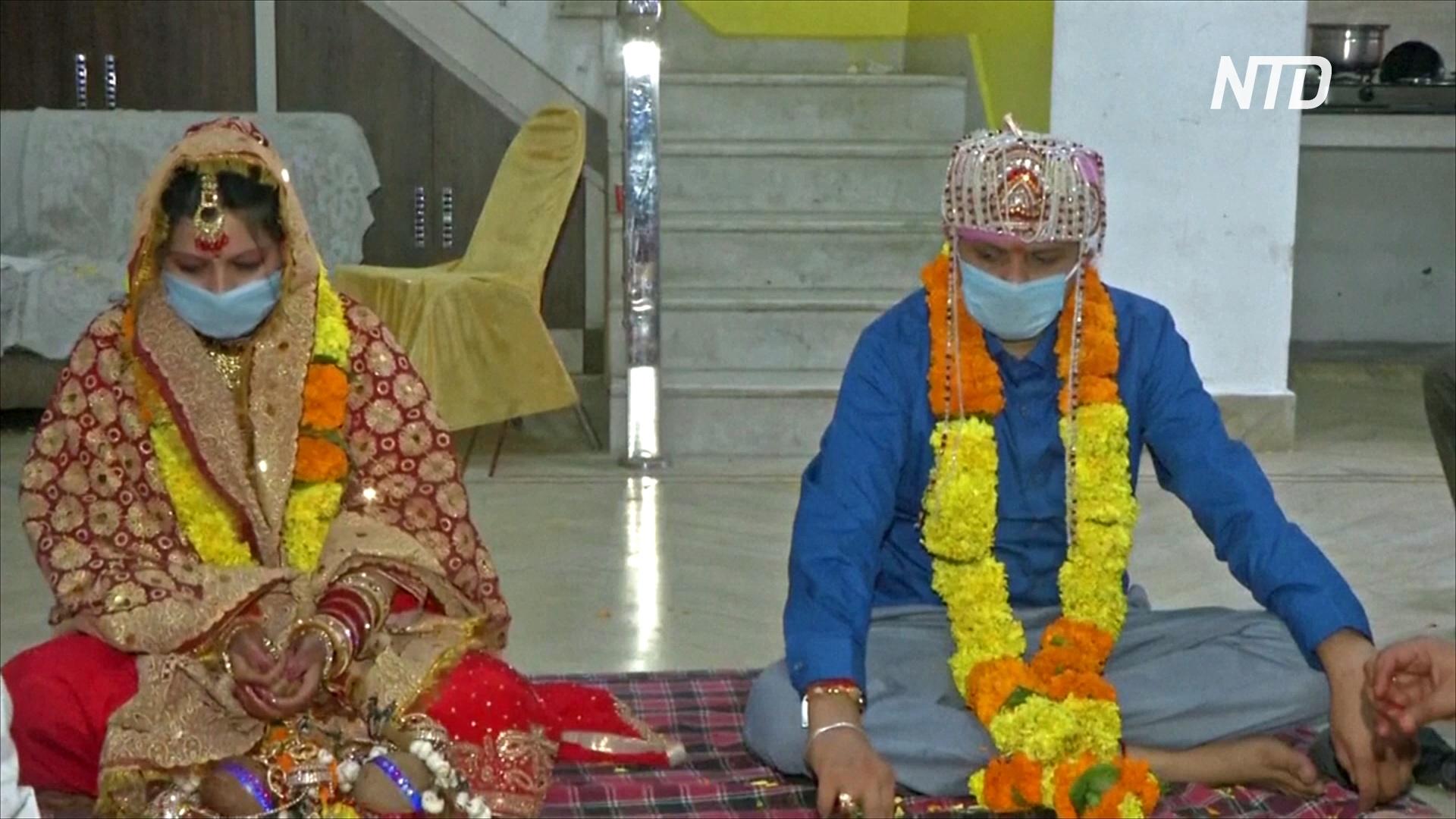 Маски и стерильные руки: какими стали индийские свадьбы