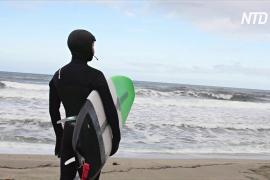 Коронавирус не помешал сёрфингистам ловить волну у берегов Норвегии
