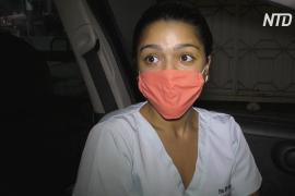 Венесуэльские врачи часами стоят за бензином, чтобы доехать до работы