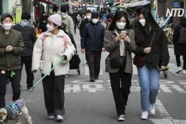 Южнокорейцы возвращаются на работу после смягчения карантина