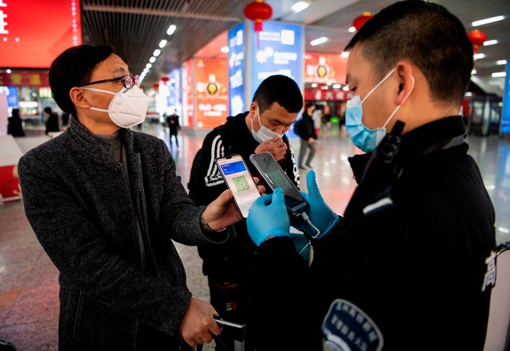 В Китае больных коронавирусом определяют не тестами, а мобильным приложением