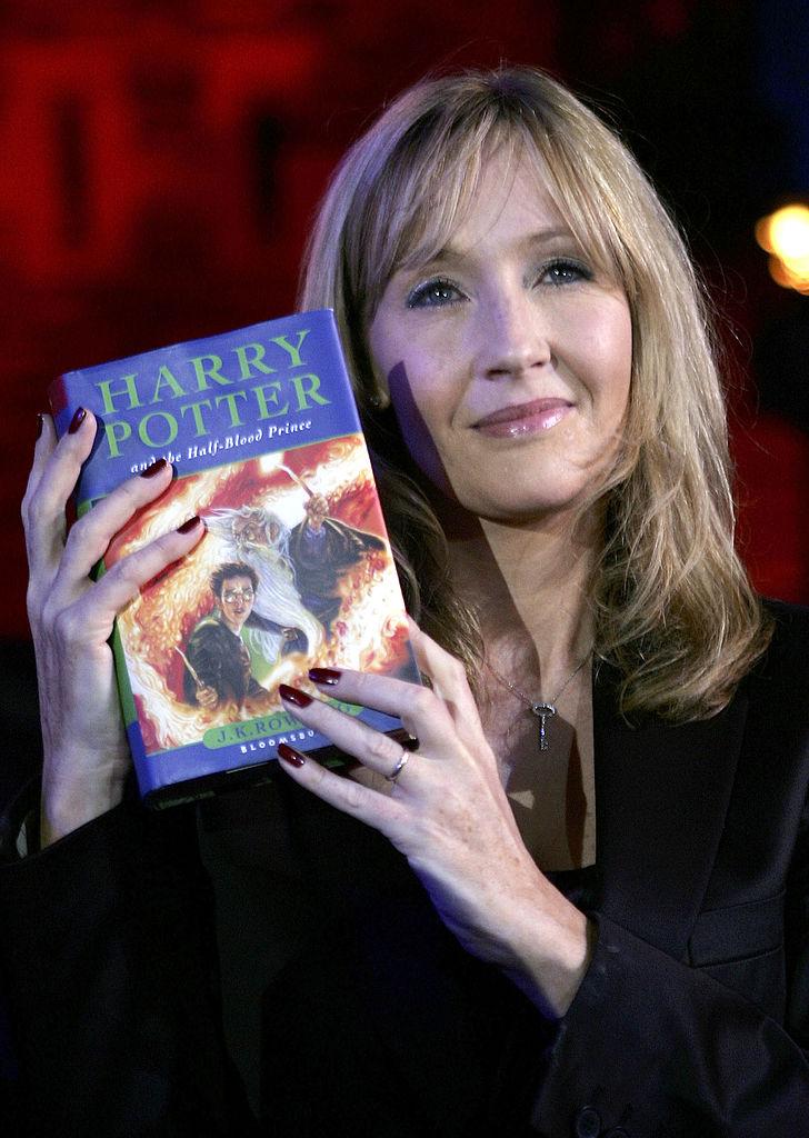 Автор «Гарри Поттера» выздоровела от коронавируса и поделилась техникой дыхания