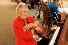 Видео концерта 103-летней пианистки стало вирусным
