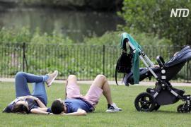 Премьер-министр Великобритании призвал людей выходить в парки
