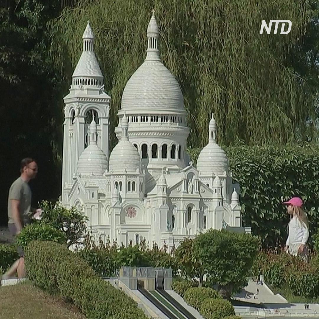 В парке Мини-Европа появился Борис Джонсон и напоминания о дистанцировании