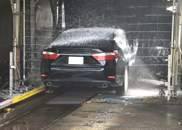 Помыть машину в Минске