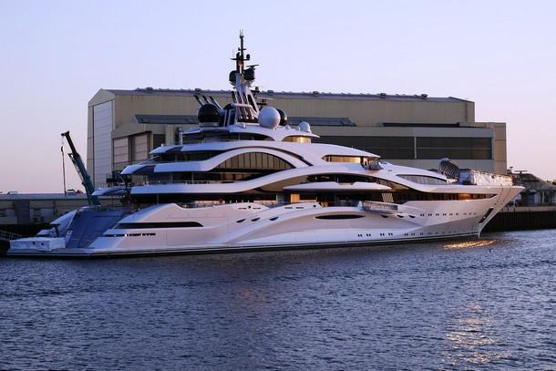 Продажа, строительство моторных яхт AZIMUT