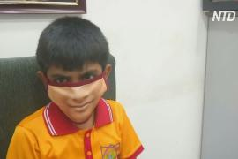 Маски с принтом лица – новый тренд в моде Индии