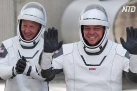 Астронавты НАСА с Crew Dragon перешли на МКС