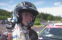 Юный автогонщик выиграл ралли Швеции с мамой – вторым пилотом