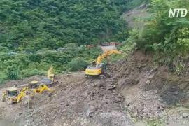 В Индии оползень отрезал деревни от внешнего мира
