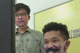 Индонезиец и малазиец создают креативные маски