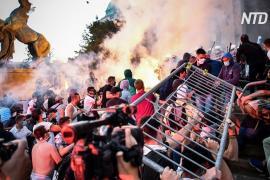 В Сербии вспыхнули протесты и стычки из-за планов снова ввести карантин