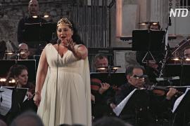 Оперная дива из Грузии выступила на древнеримской агоре в Афинах