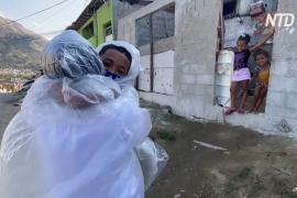 «Это идёт из сердца!»: учительница ходит обнимать своих учеников на карантине