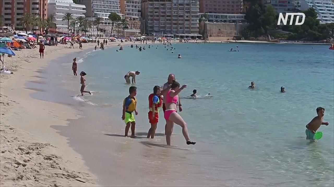 Британские туристы в Испании разочарованы новым правилом 14-дневного карантина