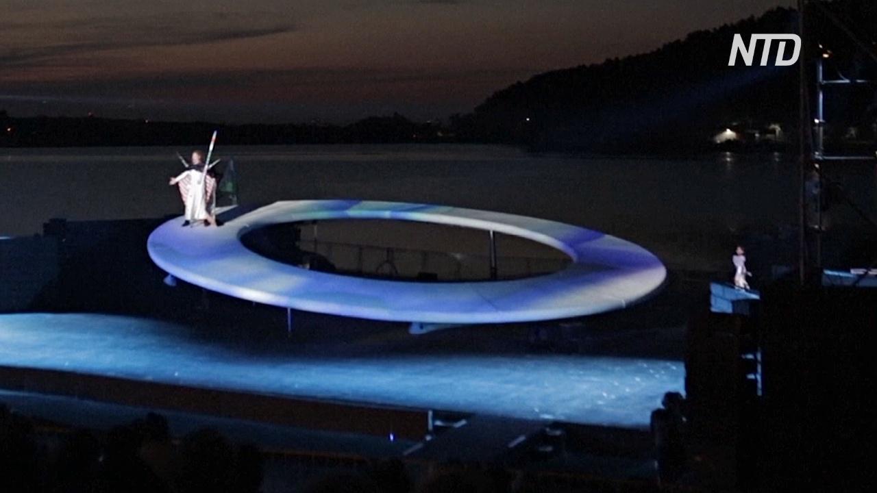 Оперу Вагнера поставили в Болгарии на вращающейся сцене на озере