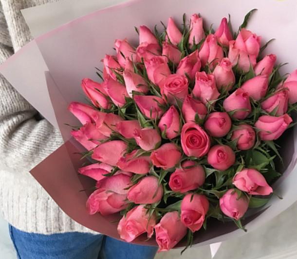 51 розовая роза 40 см в упаковке (Кения)