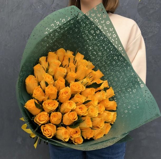 51 желтая роза 40 см в упаковке (Кения)