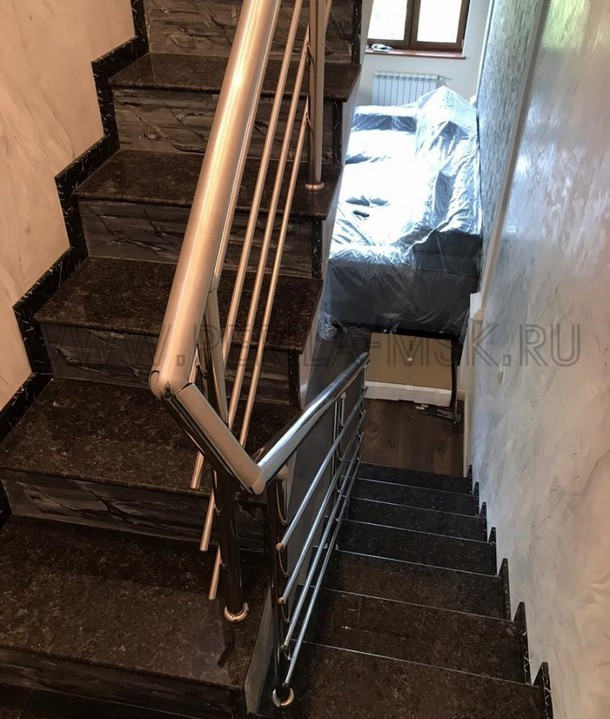 Оригинальные лестницы на мансардный этаж
