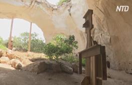 Древние пещеры превратили в современную галерею