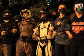 Протестующие в Беларуси строят баррикады и призывают Лукашенко уйти