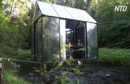 Новый вид отдыха в Латвии: ночёвка в стеклянном домике, подвешенном над рекой