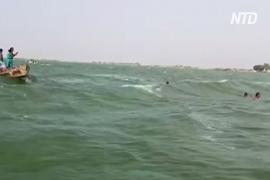 На популярном у туристов озере в Пакистане перевернулась лодка: 10 погибших