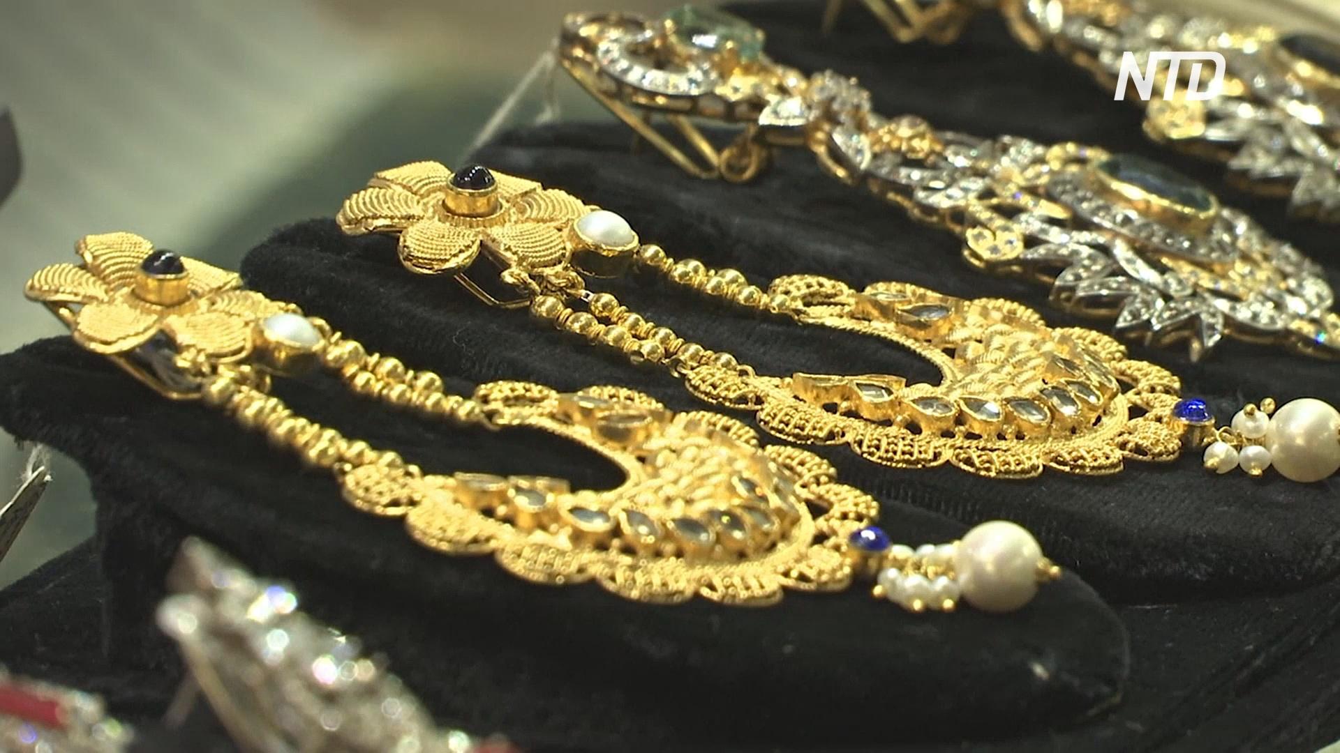 Пакистанцы вынуждены вместо золота покупать на свадьбу бижутерию