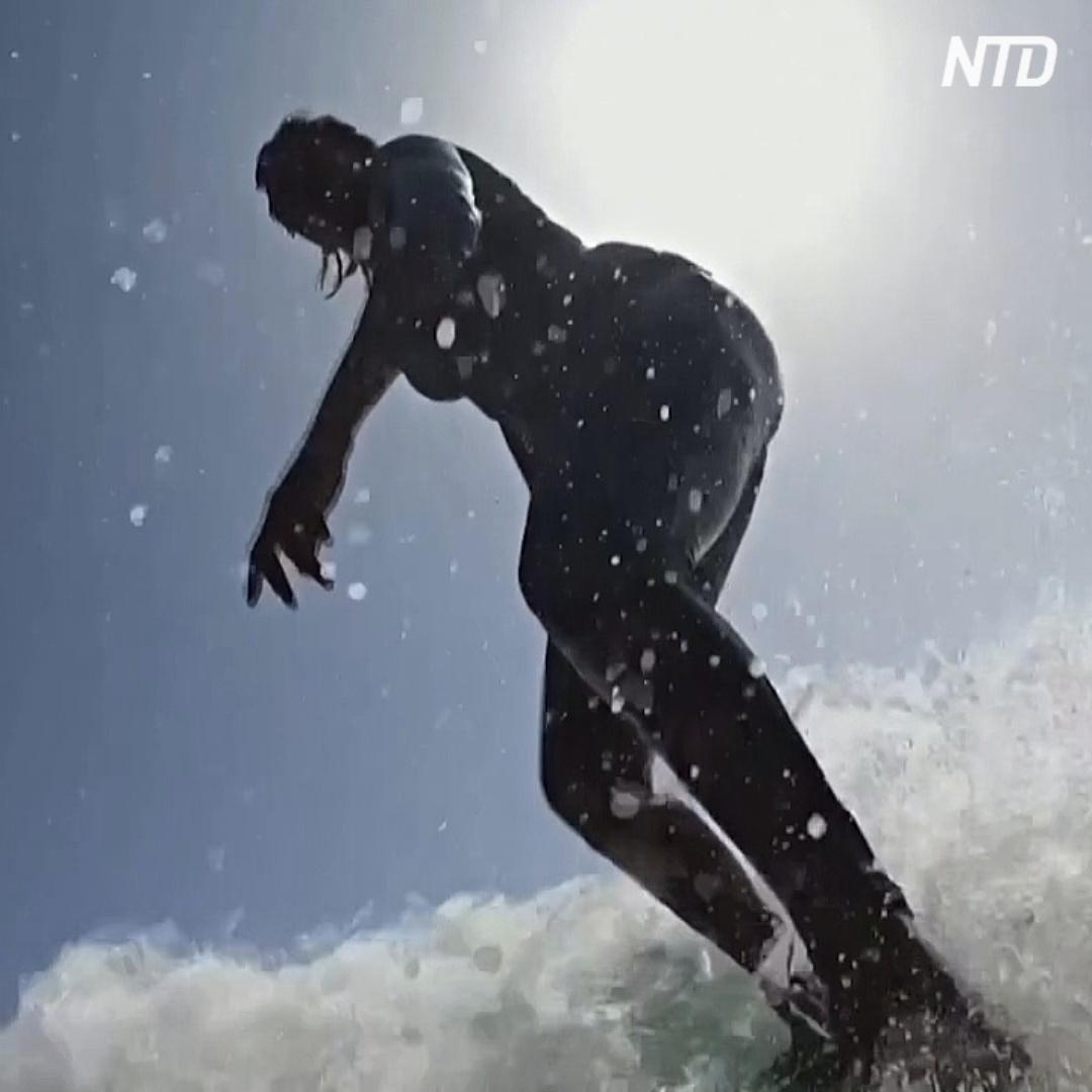 Как выглядит первая женщина-сёрфингистка Сенегала