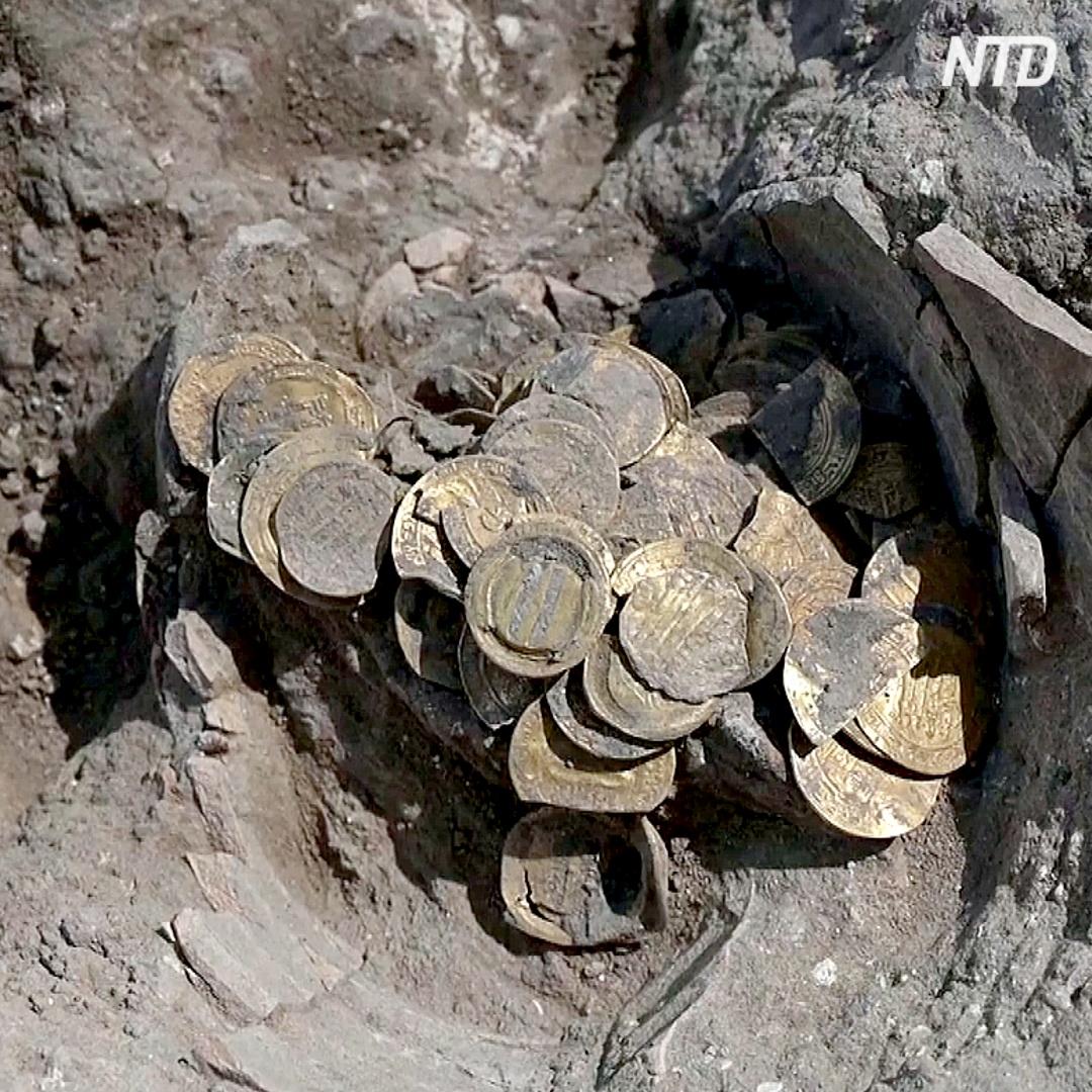 Клад из древних золотых монет нашли в Израиле