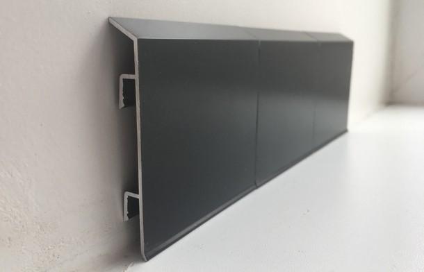 Плинтус алюминиевый на клипсах Черный матовый (100х11х3000 мм)