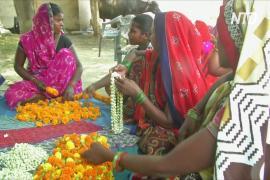 Индийским женщинам приходится в одиночку кормить семьи во время карантина