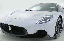 Новая эра Maserati: среднемоторный суперкар MC20 с монококом из углеволокна