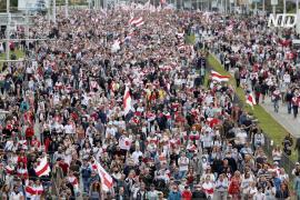 Около 100 тысяч человек вышли на протест в Минске в воскресенье