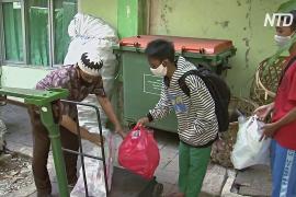 Изголодавшиеся по Wi-Fi: школьники Индонезии обменивают пластиковый мусор на Интернет