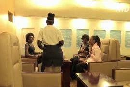 Нигерийский ресторан сделал интерьер как в самолёте