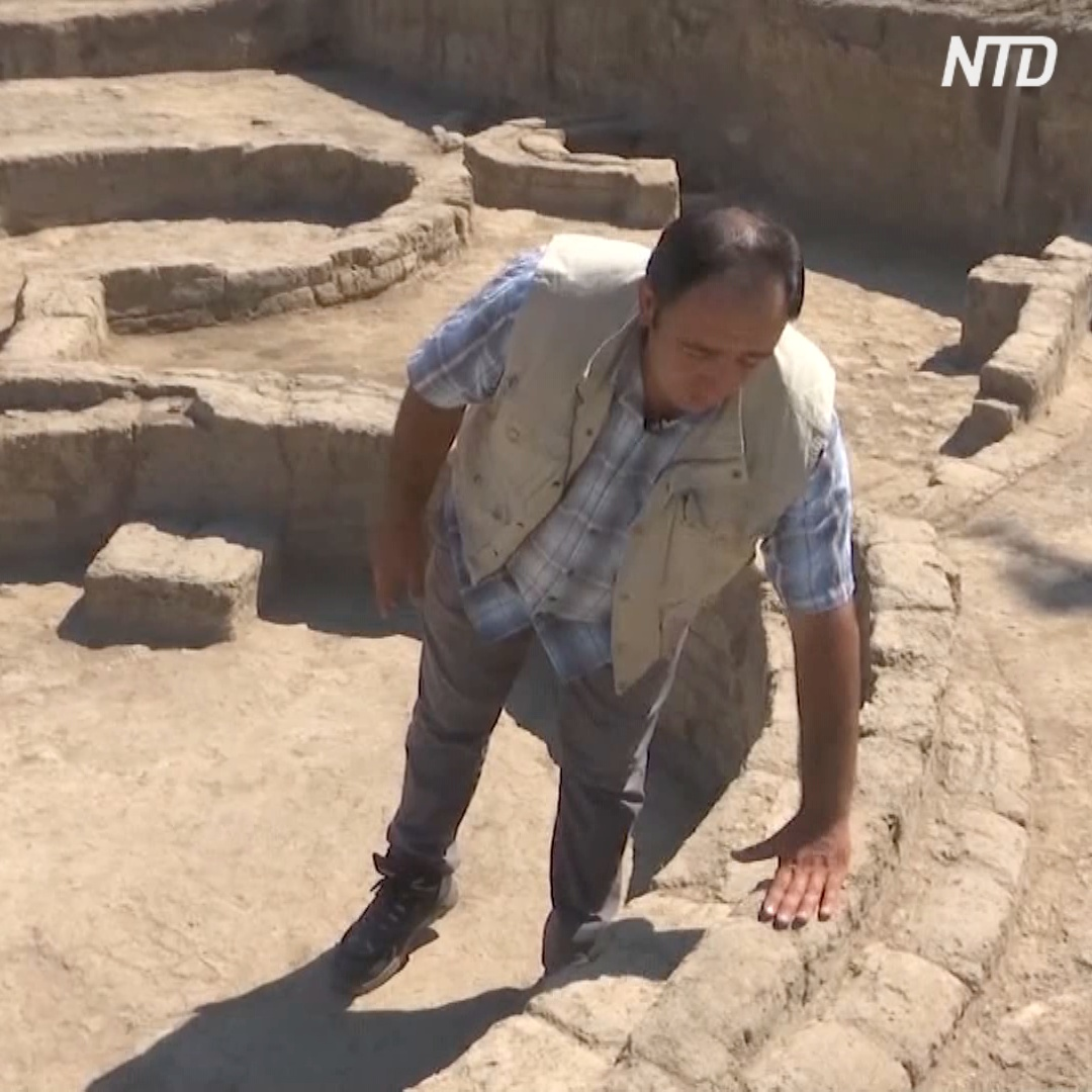 Уникальное поселение возрастом 8000 лет: стены из трёх слоёв кирпичей