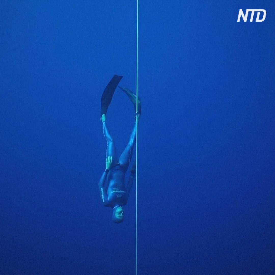 Рекорд на самое глубокое погружение: 112 метров в двух ластах