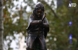 В Лондоне поставили памятник Гарри Поттеру, летящему на метле
