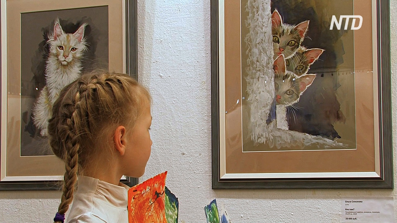 Символ Петербурга показали на выставке «Портрет кошки»