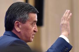 Президент Кыргызстана ушёл с поста, протестующие требуют роспуска парламента