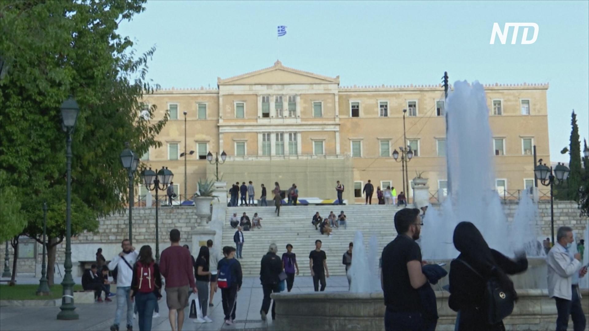 В Греции резко возросло число заражённых COVID-19, власти вводят комендантский час