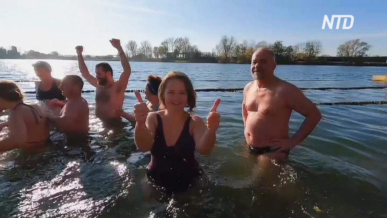 Моржи открыли сезон зимнего купания на озере Шенфлиз в Калининграде