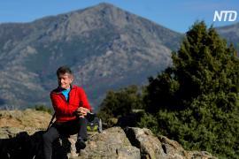 81-летний альпинист готовится покорить Гималаи в память о жертвах COVID-19